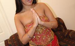 Tengere Indiase babe Rani