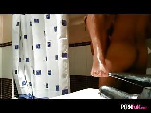 Een snelle wip onder de douche