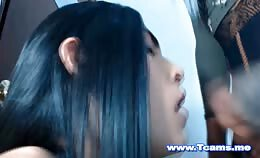 Shemale mag in het mondje van haar vriendin klaarkomen