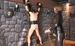 Ella Kross heeft haar mannelijke slaaf vastgebonden